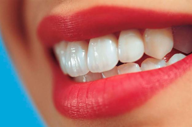 Get an Attractive Smile and Straight Teeth Without Discomfort