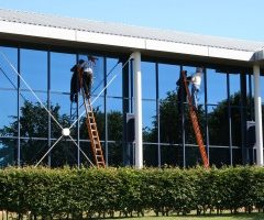 Find reputable glaziers for your home or business